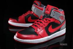 Nike Air Jordan 1 Mid Red